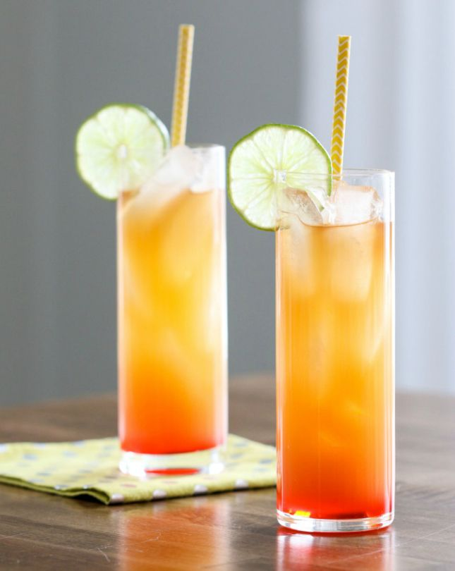 18 Signature Spring Break Cocktails to Try Based on Your Destination via Brit + Co