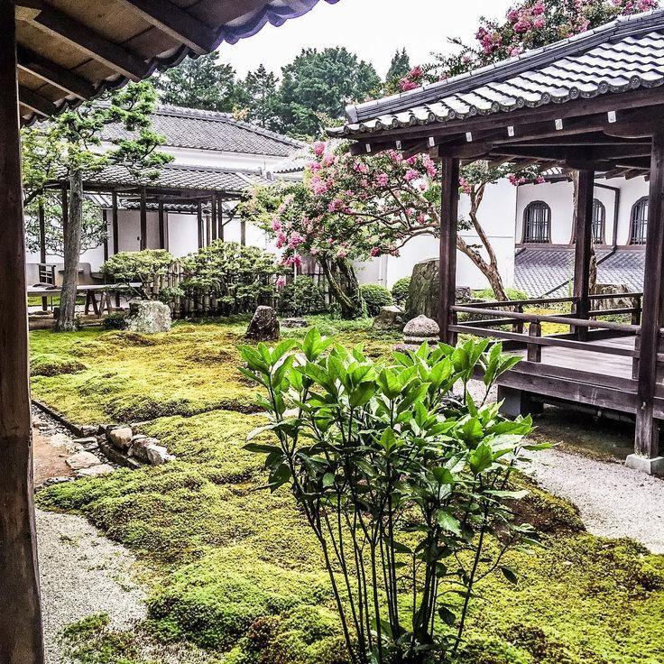Nanzen-Ji in Kyoto #zenspiration #japanesegarden #japanesegardens #zengarden #zentemple #buddhisttemple #japanesegarden #japaneseculture #igersjp #japanesearchitecture #historicalbuilding #historicalplace #nanzenji