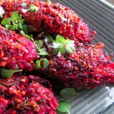Herkkusuun lautasella-Ruokablogi: Vegaanit punajuuripihvit
