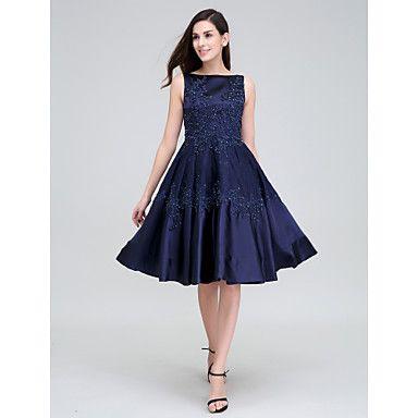 Κοκτέιλ+Πάρτι+Φόρεμα+Γραμμή+Α+Μπατώ+Μέχρι+το+γόνατο+Δαντέλα+/+Ελαστικό+Σατέν+με+Διακοσμητικά+Επιράμματα+/+Χάντρες+/+Δαντέλα+–+EUR+€+78.39