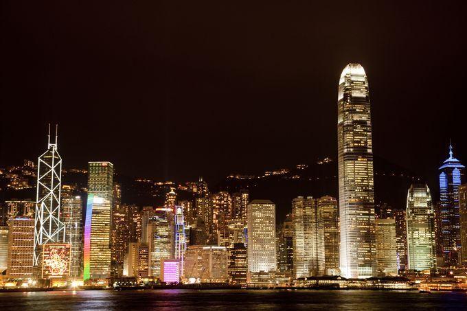こんな年越し見たことない…香港のカウントダウンがド派手すぎる | RETRIP