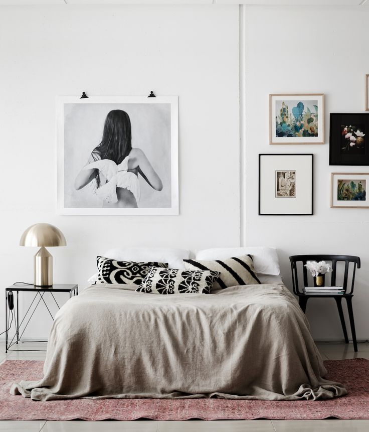 Step Inside A Glamorous Modern Apartment On Nyc S High: 17 Best Ideas About Bed Without Headboard On Pinterest