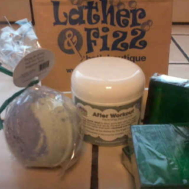 Best post-workout soap and scrubs! http://www.beautycareme.com/lather-fizz-bath-boutique-review