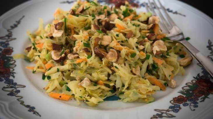 Salade de choucroute crue et carottes façon coleslaw