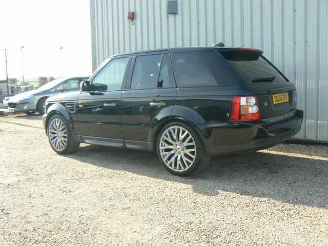 2006 Range Rover Sport 2.7 TDV6 HSE 5-door auto 4x4. Java Black. Full Land Rover service history. Click on pic shown for loads more.
