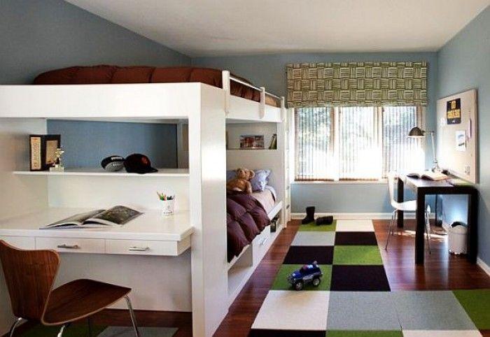 jongens kamer met ruimte voor huiswerk, slapen en vriendjes