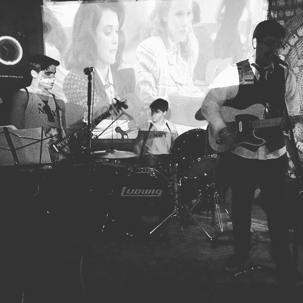 """#tbt with the twins and the """"Heathers"""" playing in the back. RIP Swing State (aka the most shady tween venue in lake county) #indiemusic #indieartist #livemusic #photography"""