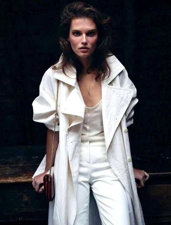 Summer long white trench coat | toute de blanc vêtue | Pinterest