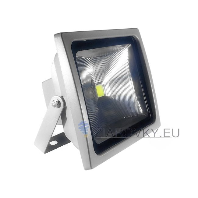 LED reflektor - 50W je exteriérové svietidlo na osvetlenie vonkajších alebo vnútorných priestorov. Reflektor je vybavený najúspornejším svetelným zdrojom LED, ktorý ma doteraz neprekonanú životnosť až do 30 000 hodín. Reflektory značky V-TAC sú oproti iným klasickým LED reflektorom na vysokej úrovni. Poskytujú kvalitnejší driver a čip. Vylepšená odrazová plocha slúži na optimálny rozptyl svetla. Vysoký index podania farieb.