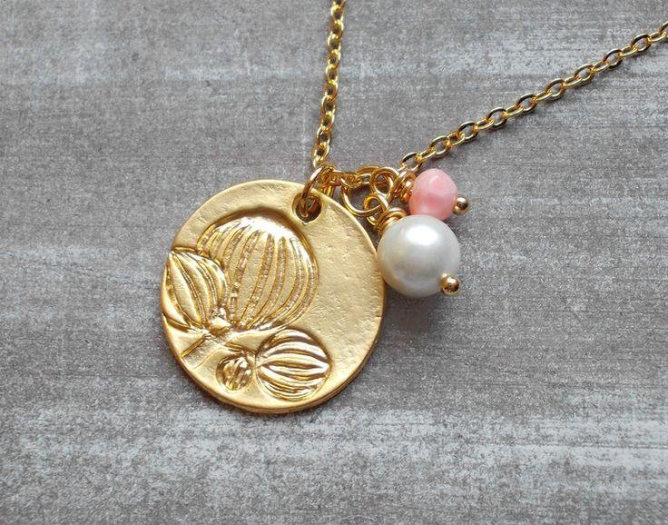 """Vergoldete Ketten - Kette vergoldet """"Frühlingsknospen"""" weiß rosa - ein Designerstück von kirschrot-schmuckdesign bei DaWanda"""