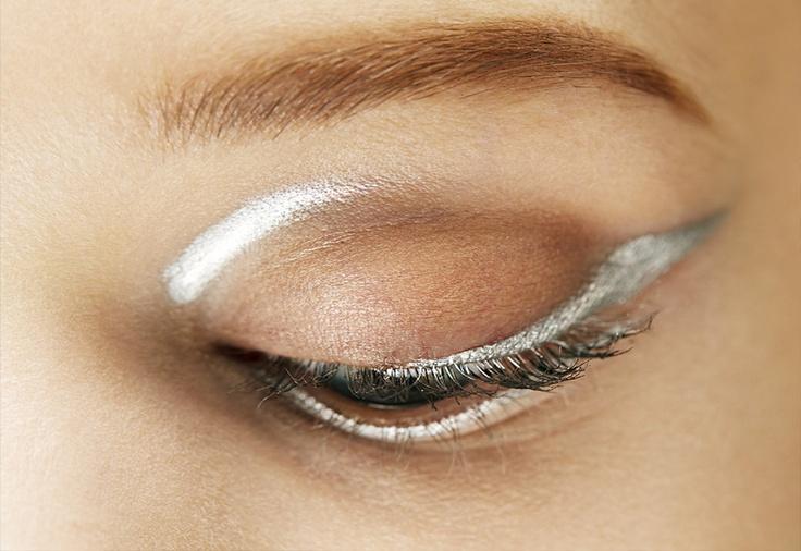 metallic make-up