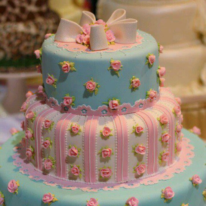 Gorgeous shabby chic cake