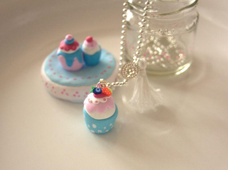 Kawaii & Candy Ketten - Süße Kette Cupcake mit schmuckdose  - ein Designerstück von MIO-O bei DaWanda