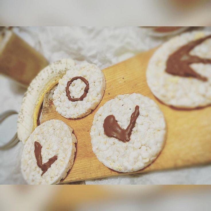 LoveForFood.  #goodmorning#daybyday#breakfast#love#gallette#risomigliomais#chocolate#Love#loveyourself#loveforfood#foodlovers#vegan#veganforlife#lifestyle#veganisthefuture#veganpower#veganfoodshare#veganfood#healthyfood#healthylifestyle#healthyvegan