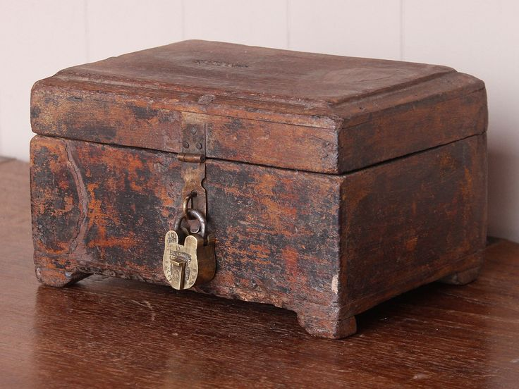 Vintage Wooden Money Chest - a wonderful keepsake box for father's day