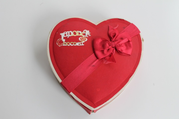 chocolate day to valentine day