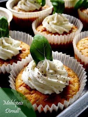 MehlspeisDirndl*: Kräuter - Frischkäse Cupcakes