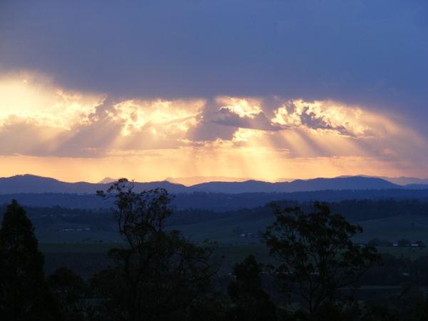 The Great Dividing Range viewed from the verandah at Wallaby Ridge Retreat #queensland