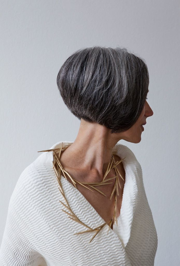 By Annette Lechler. 50 gold, steel silk.                                                                                                                                                     More