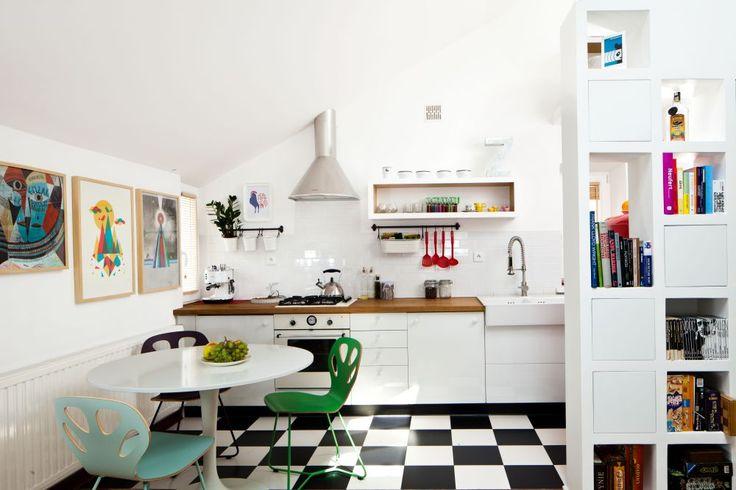 Kuchnia w kawalerce jest dynamiczna i kolorowa, ale dzięki   -> Kuchnia Retro Ikea