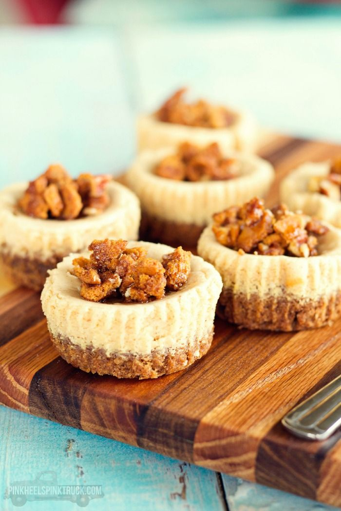 These Spiced Maple Minicheesecakes feature a gingerbread cookie crust and a ginger cookie, pecan and maple syrup crumble on top. Super yummy!!