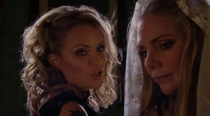 Furious EastEnders fans go into meltdown over Snapchat delay as BBC bosses leave them waiting two hours for alternative ending for Ronnie and Roxy