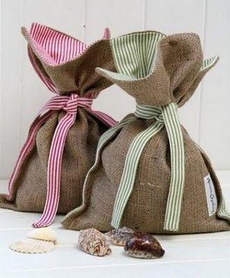 great burlap gift bags!
