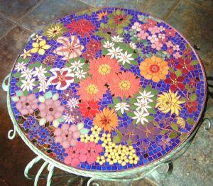 table et objet mosaique - modele image en mosaiques table mosaique fleurs chez made in mosaic