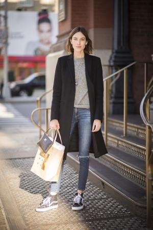 7 Celebrities and Their Most Stylish Winter Coats: Alexa Chung
