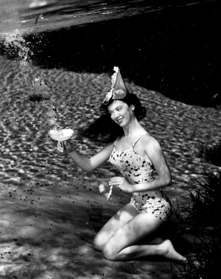 Bruce Mozert - Underwater Pin-Up 1938 - Silver Springs, Florida