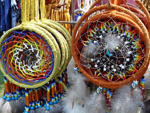 #dreamcatchers #nativeamerican #beading #seedbeads #feathers
