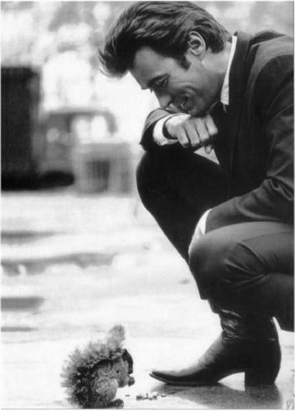 Clint Eastwood feeding a squirrel. Holy crap.
