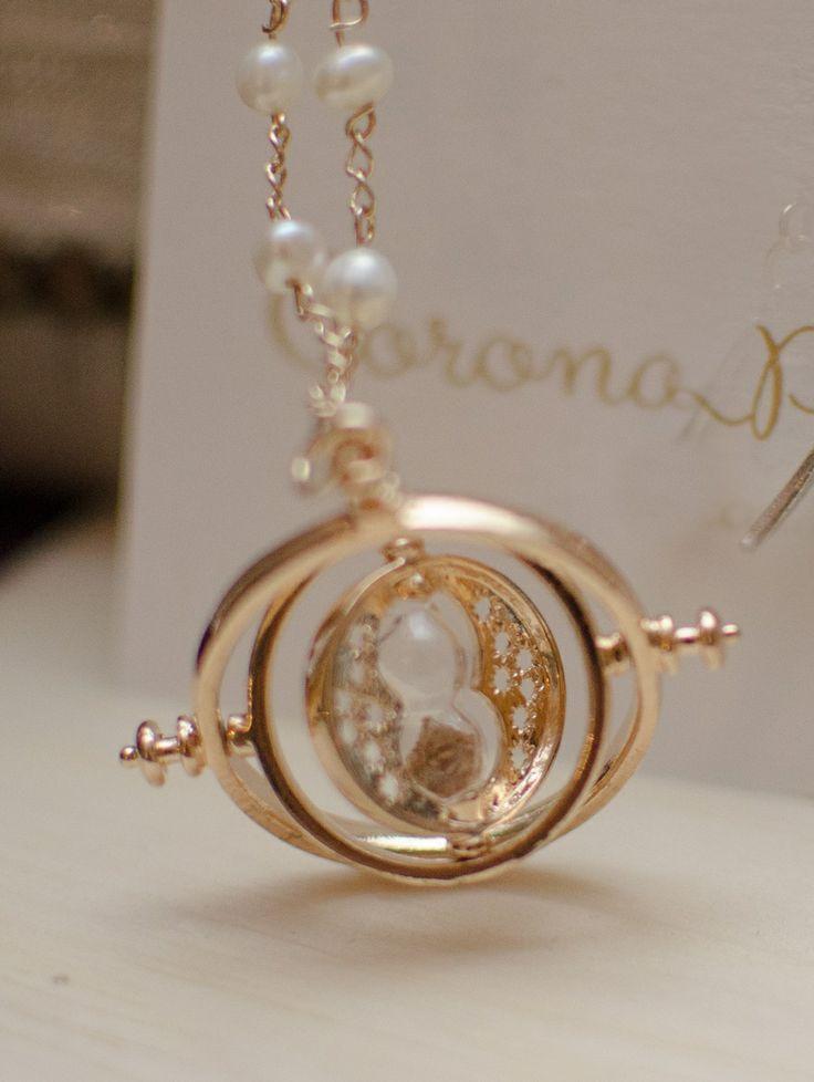 Collar de Gira-Tiempo con mini perlitas   Corona de Papel Accesorios