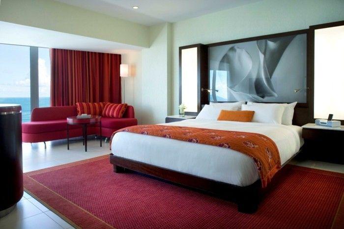 chambre adulte originale rouge et orange rideaux rouges resized