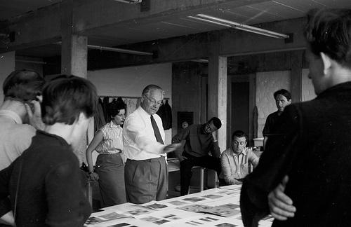 Hans G. Conrad: Johannes Itten im Grundkurs der Hochschule für Gestaltung Ulm