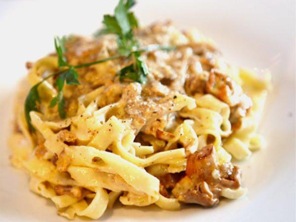 Per Morbergs hemlagade pasta med svampsås