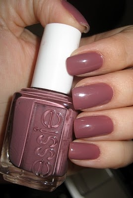 Island Hopping by Essie -- this weekend's manicure.