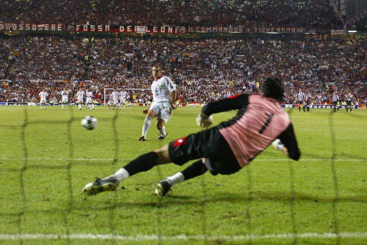 Hace ya 11 años pero... ¿Cómo ha cambiado el fútbol italiano?: Juventus-Milan: La fiesta del fútbol italiano: http://www.elenganche.es/2014/05/juve-milan-la-fiesta-del-futbol-italiano.html