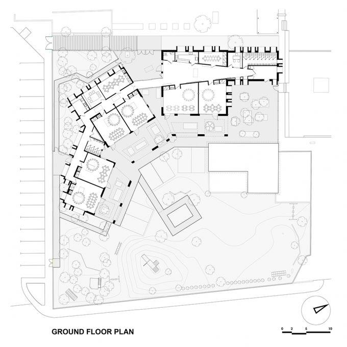 Planta baja. La Guardería de la Escuela Alemana de Atenas de Potiropoulos D+L Arquitectos. Señala encima de la imagen para verla más grande.