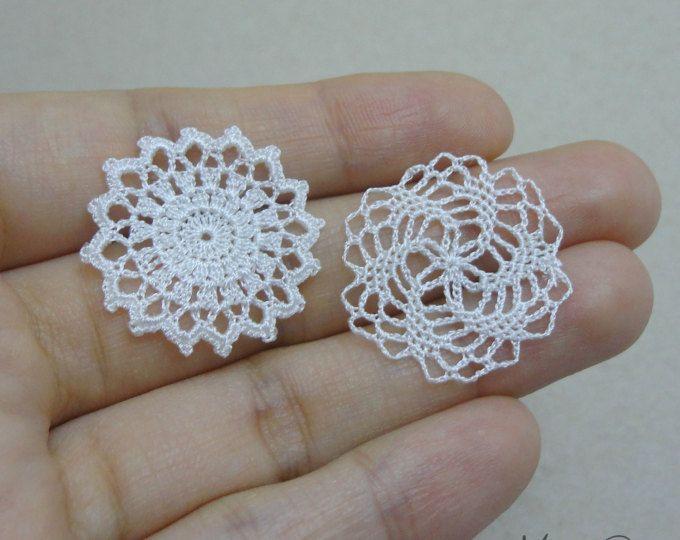 One miniature crochet square doily 4 cm 1:12 dollhouse