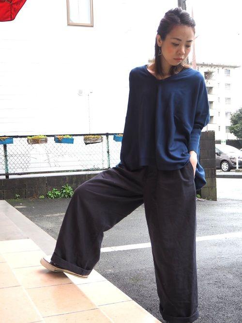 コットンカシミヤ VネックPOから新色入荷✨ ブルー系が好き。 やっぱしっくりやなw😁😁
