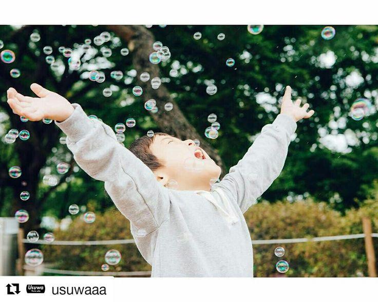 #Repost @usuwaaa with @repostapp ・・・ 하늘에서 내리는 눈처럼 펑펑 . #돌스냅 #스냅 #올림픽공원 #조각공원 #육아스타그램 #엄마 #스냅사진