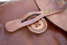 [Женский рюкзачок LUNA, Натуральная кожа | Bestmade - изделия ручной работы] leather button fasten closure