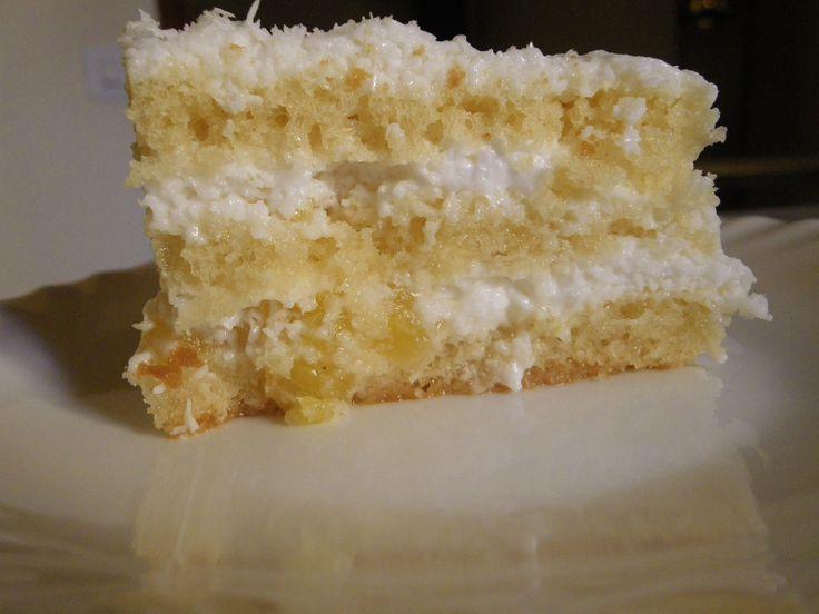 Tarta/mousse de piña colada sin azúcar. ¿Os imagináis su sabor? ¡Mirad solo la presentación que tiene!  Descubre su elaboración en nuestro blog de recetas, ¡Os va a encantar!