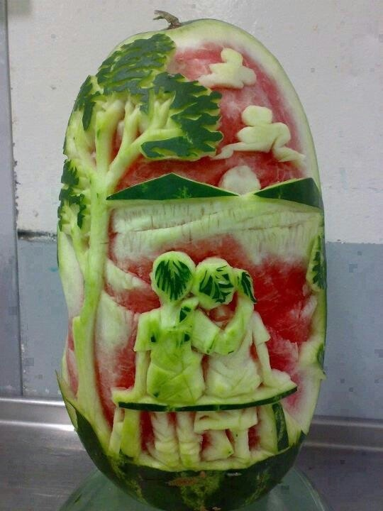 Adorable first love watermelon art. Ooooo...i love artists. They're very sensual. Ohhh hey, Carl. Let's carve. We crave your carvings!!