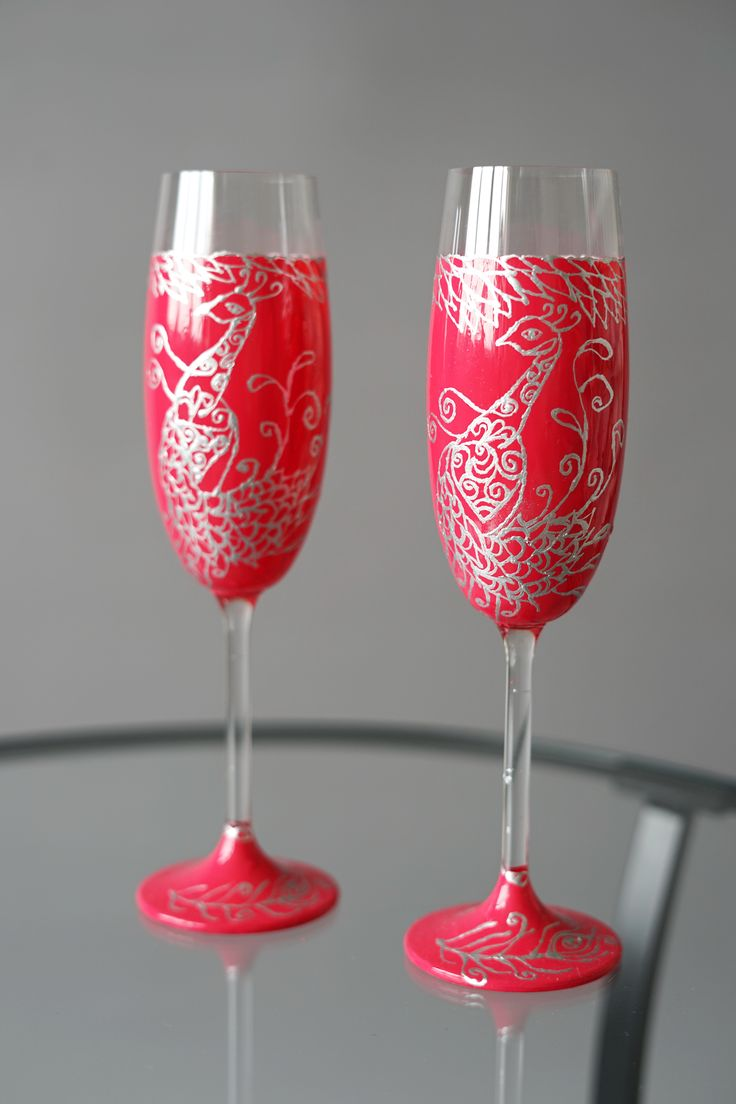 Set of Dark Pink Wedding Flutes with Peacock - Wedding Toasting Glasses - Wedding Decoration - Handmade Wedding Favor - Anniversary