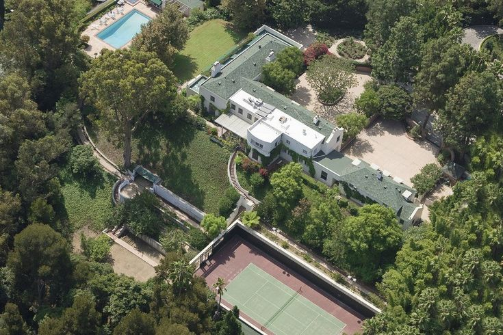 The 1 Major Downside to Taylor Swift's LA Mansion Becoming a Historic Landmark