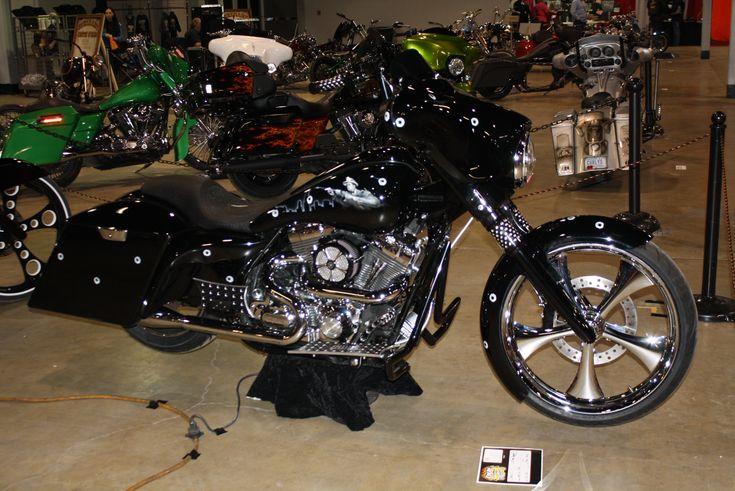 Johnny Legend Customs :: Chicago Baggers :: Custom Built Motorcycles » Blog Archive » PAULIES CAPONE BIKE