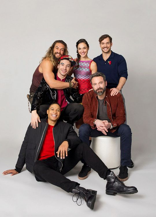 Justice League (2017) cast for USA Today. Ray Fisher, Ben Affleck, Jason Momoa, Ezra Miller, Gal Gadot and Henry Cavill.
