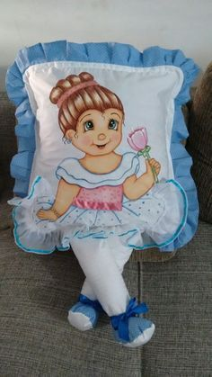 Capa para almofada bailarina azul | pintura em tecido | almofadas com perninha